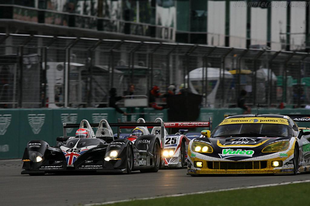 Erdos fighting through traffic - Chassis: B0540-HU05 - Entrant: RML  - 2007 Le Mans Series Nurburgring 1000 km