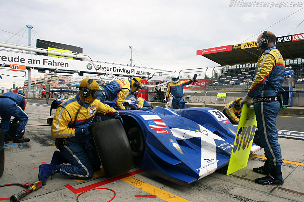 Fresh rubber for the Binnie Lola - Chassis: B0540-HU02 - Entrant: Binnie Motorsports  - 2007 Le Mans Series Nurburgring 1000 km