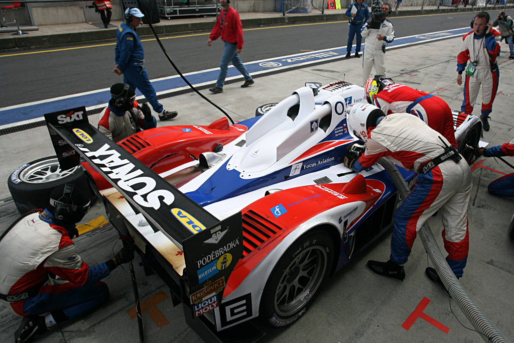 Fuel and tires for Charouz - Chassis: B0610-HU03 - Entrant: Charouz Racing System  - 2007 Le Mans Series Nurburgring 1000 km
