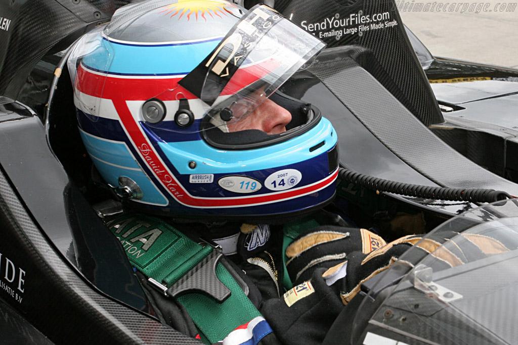 It's Jan Lammers pretending to be David Hart ..    - 2007 Le Mans Series Nurburgring 1000 km