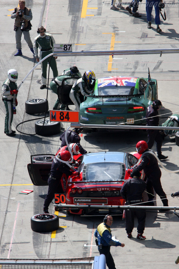 A busy pit-lane - Chassis: 2636   - 2009 Le Mans Series Nurburgring 1000 km