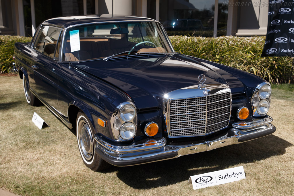 Mercedes-Benz 280 SE 3.5 Sunroof Coupe