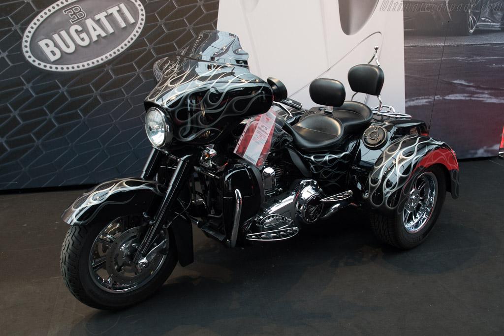 Harley Davidson FLHXXX Street Glide Trike - Chassis: 1HD1MBM39AB851405   - 2018 Retromobile
