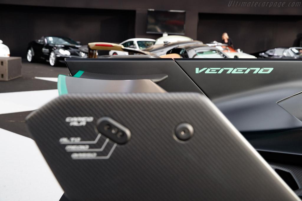 Lamborghini Veneno Roadster - Chassis: ZHWEB3ZD5FLA03002  - 2020 Retromobile