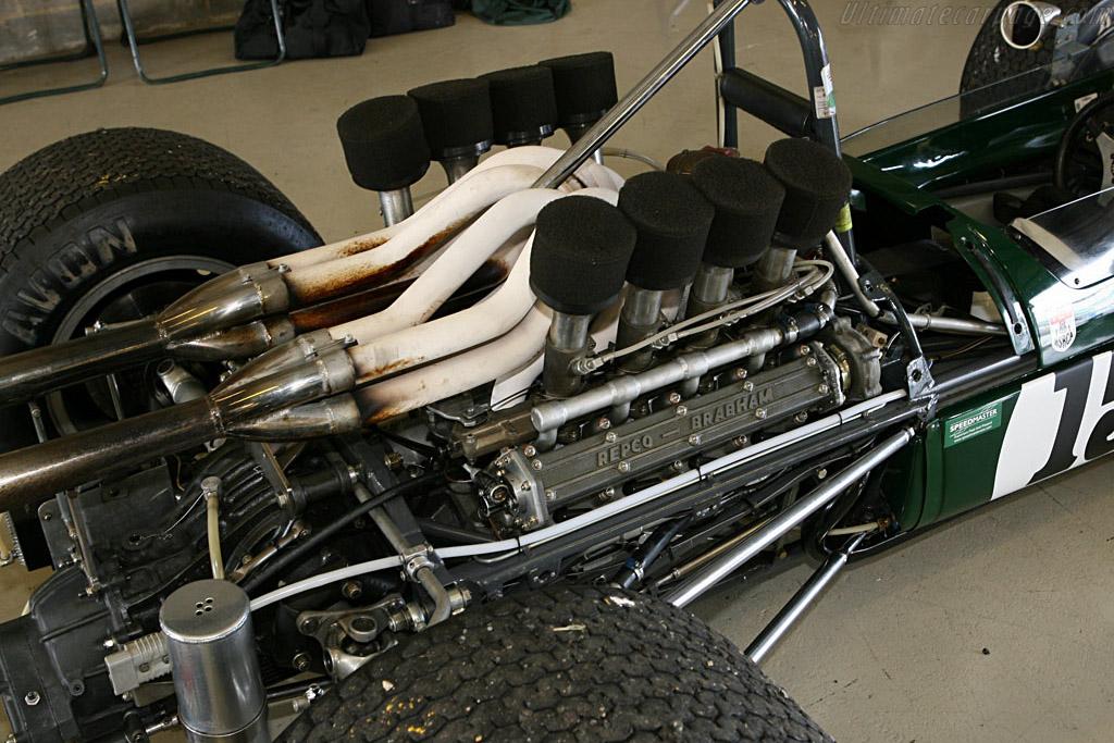 Brabham BT24 - Chassis: BT24-1   - 2006 Silverstone Classic