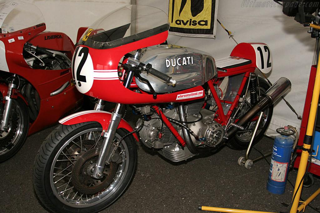 Ducati 750    - 2006 Silverstone Classic