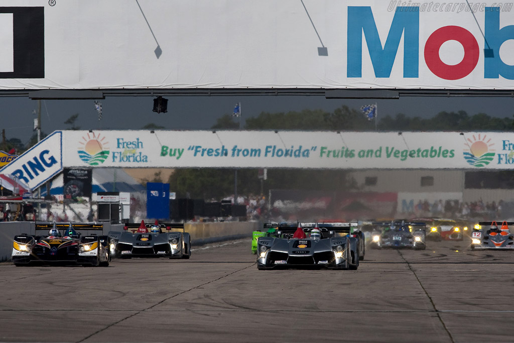 Off they go - Chassis: 103   - 2009 Sebring 12 Hours