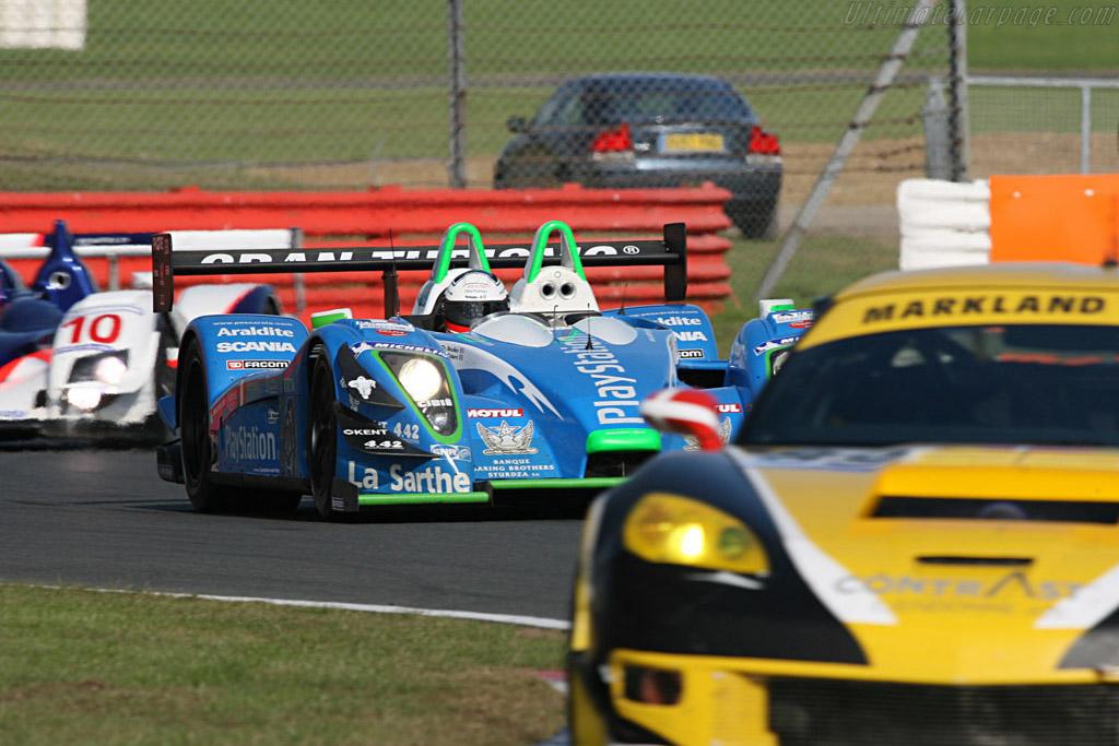 Pescarolo through traffic - Chassis: 01-05 - Entrant: Pescarolo Sport  - 2007 Le Mans Series Silverstone 1000 km