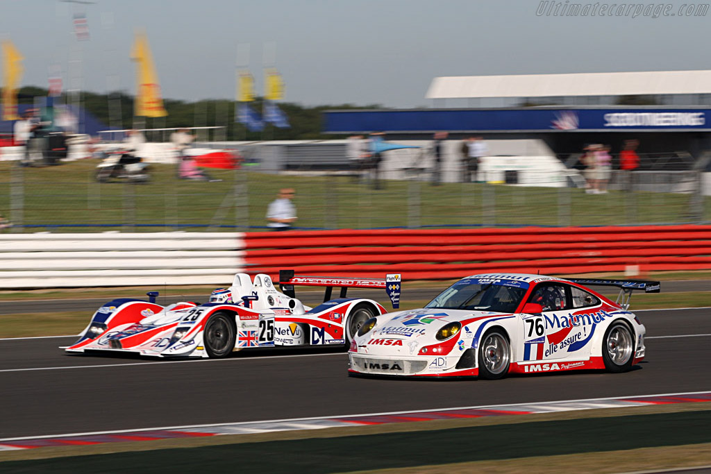 Red, white and blue - Chassis: WP0ZZZ99Z7S799923 - Entrant: IMSA Performance Matmut  - 2007 Le Mans Series Silverstone 1000 km