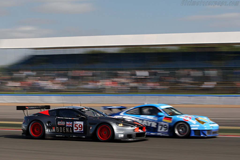 Slight speed difference - Chassis: DBR9/101 - Entrant: Team Modena  - 2007 Le Mans Series Silverstone 1000 km