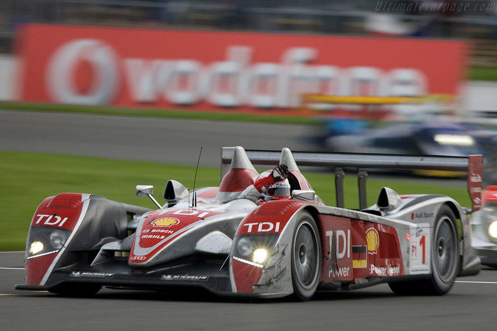 A victorious Dindo Capello - Chassis: 201   - 2008 Le Mans Series Silverstone 1000 km