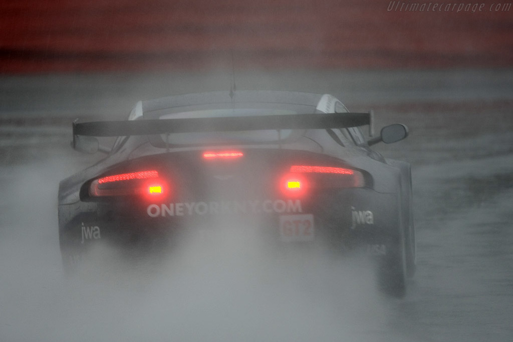 Aston Martin V8 Vantage GT2 - Chassis: GT2/003   - 2008 Le Mans Series Silverstone 1000 km