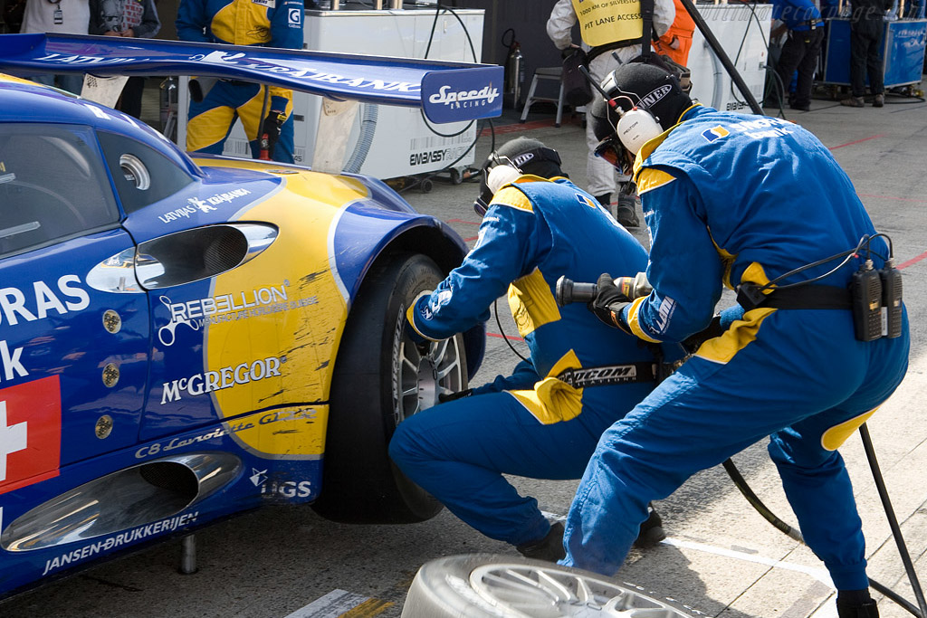 Fresh rubber for the Speedy Spyker - Chassis: XL9AB01G57Z363191   - 2008 Le Mans Series Silverstone 1000 km