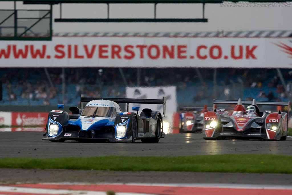 Peugeot - Audi - Audi after lap one - Chassis: 908-03   - 2008 Le Mans Series Silverstone 1000 km