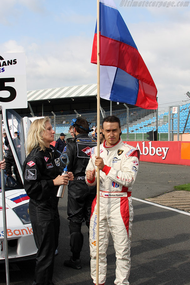 Romain Rusinov bares the flag    - 2008 Le Mans Series Silverstone 1000 km