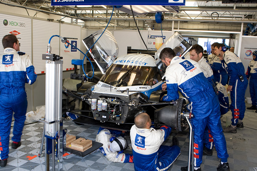 Sarrazin had the mechanics work hard - Chassis: 908-03   - 2008 Le Mans Series Silverstone 1000 km