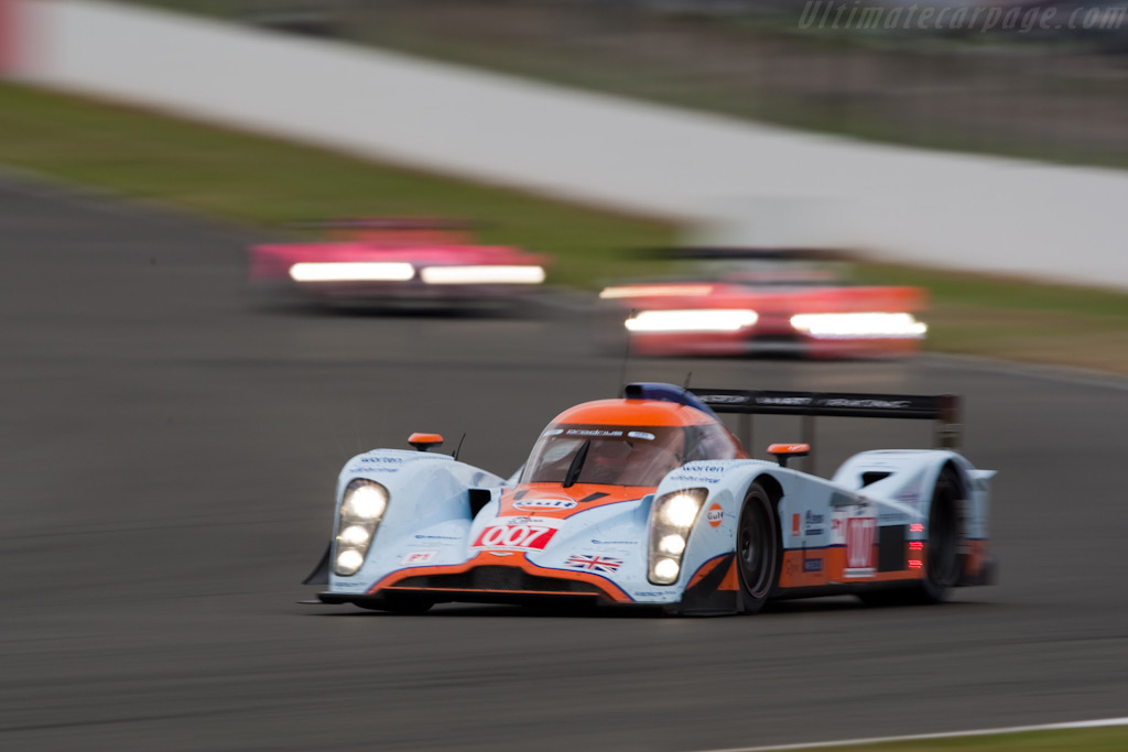 007 into Stowe - Chassis: B0960-HU02S   - 2009 Le Mans Series Silverstone 1000 km