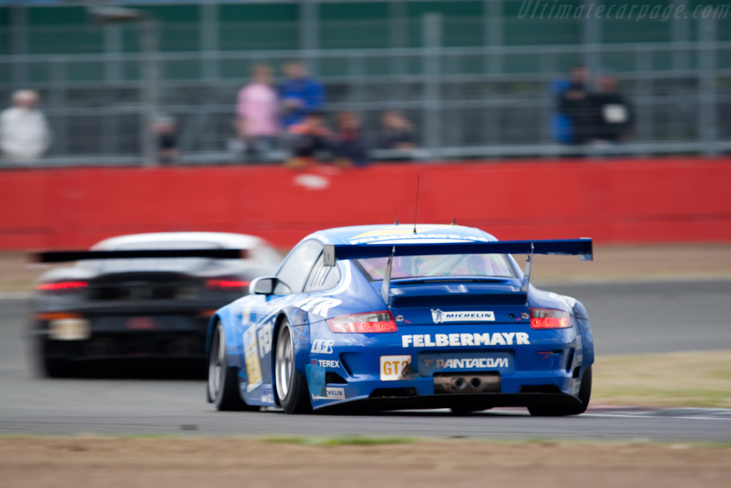 GT2 champions - Chassis: WP0ZZZ99Z9S799911   - 2009 Le Mans Series Silverstone 1000 km