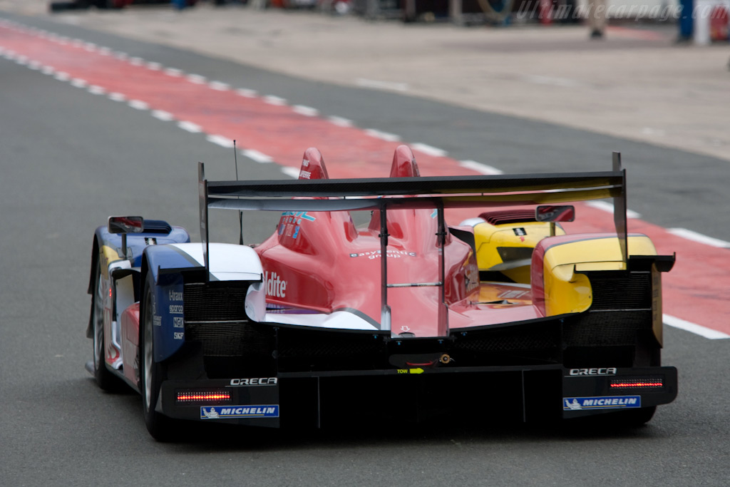 Heading for pit and victory - Chassis: 03   - 2009 Le Mans Series Silverstone 1000 km