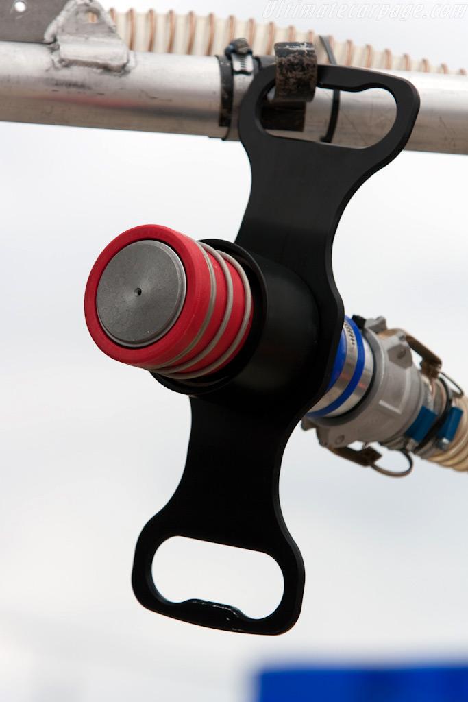 Refueling nozzle    - 2009 Le Mans Series Silverstone 1000 km