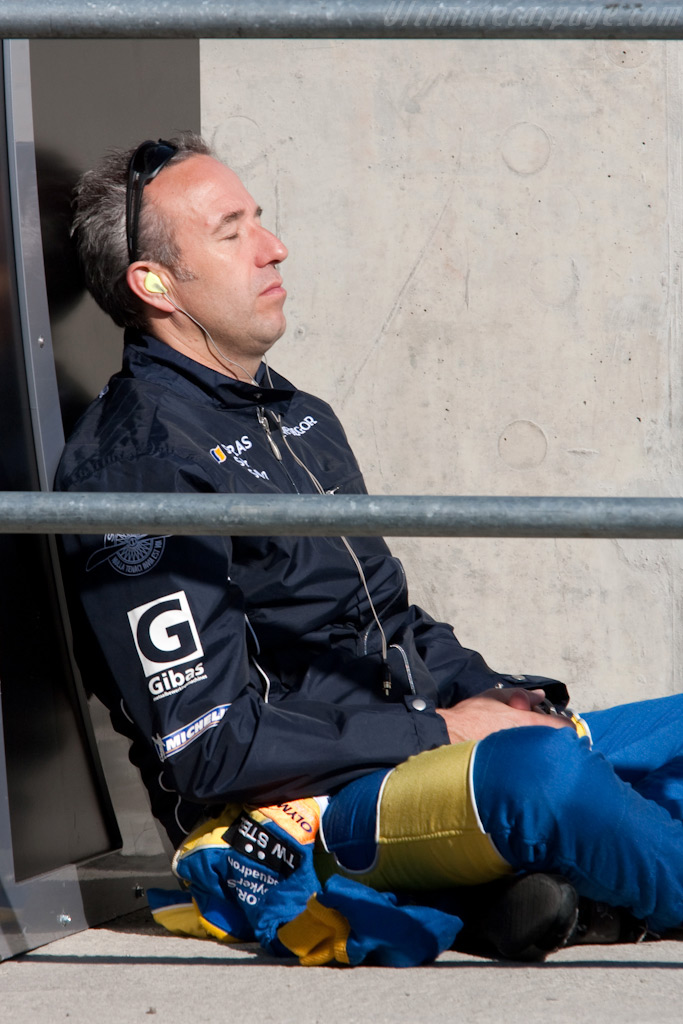 Tom Coronel enjoying the Silverstone sun    - 2009 Le Mans Series Silverstone 1000 km