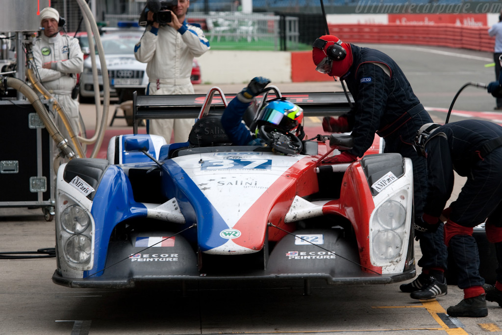 WR pit stop - Chassis: 2008-001   - 2009 Le Mans Series Silverstone 1000 km