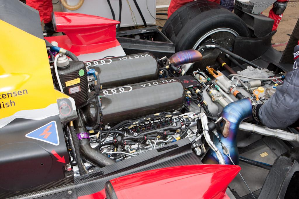 Audi V10    - 2010 Le Mans Series Silverstone 1000 km (ILMC)