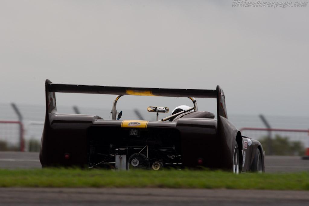 Chevron B26 - Chassis: B26-74-10   - 2010 Le Mans Series Silverstone 1000 km (ILMC)