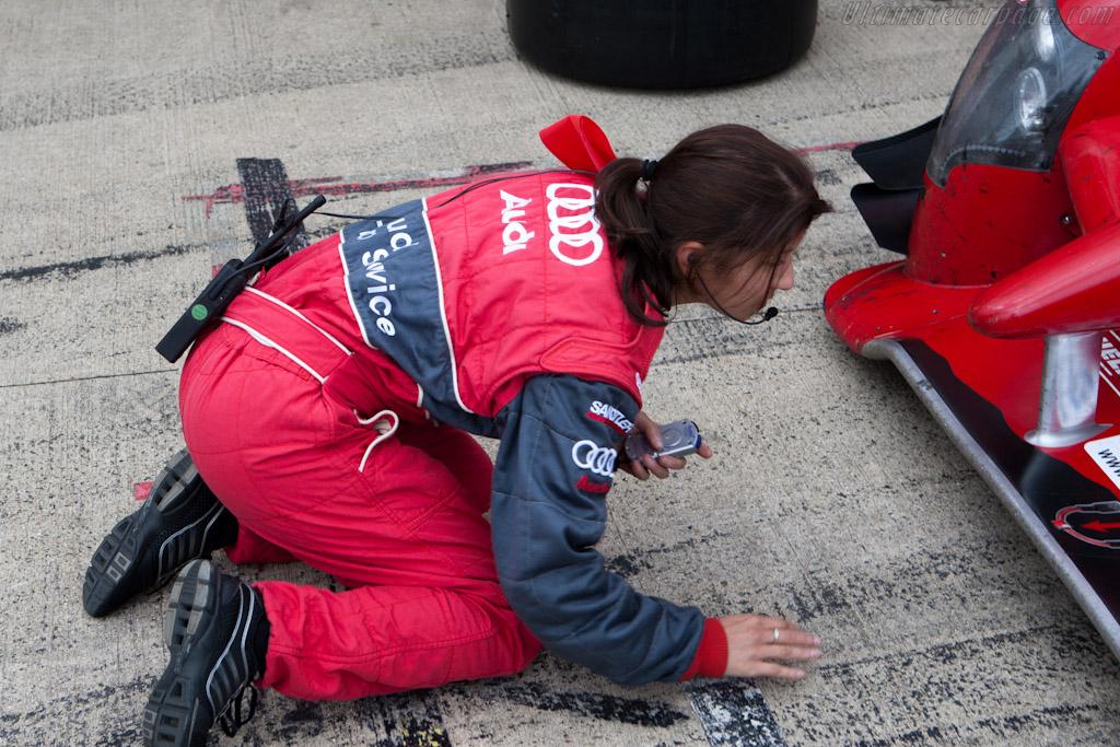 Debris Check    - 2010 Le Mans Series Silverstone 1000 km (ILMC)