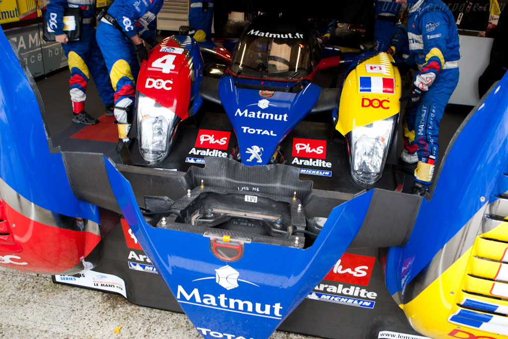 New nose for Oreca Peugeot - Chassis: 908-05   - 2010 Le Mans Series Silverstone 1000 km (ILMC)