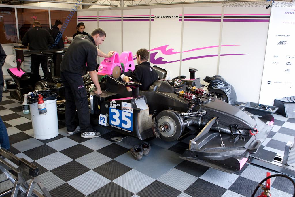 OAK Pescarolo in bits - Chassis: 01-06   - 2010 Le Mans Series Silverstone 1000 km (ILMC)