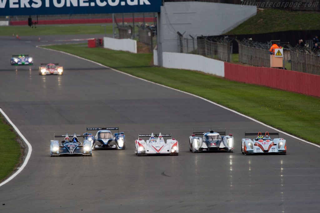 Dicing through traffic - Chassis: Z11SN-03   - 2011 Le Mans Series 6 Hours of Silverstone (ILMC)