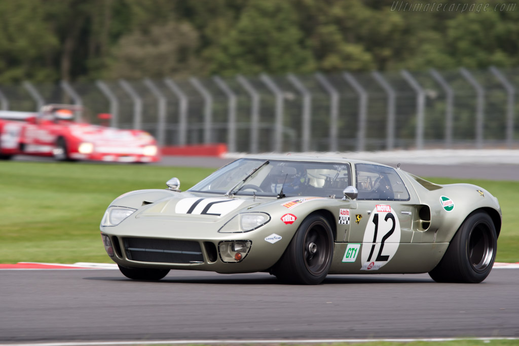 Ford GT40 - Chassis: GT40P/1078 - Driver: Claude Nahum  - 2011 Le Mans Series 6 Hours of Silverstone (ILMC)
