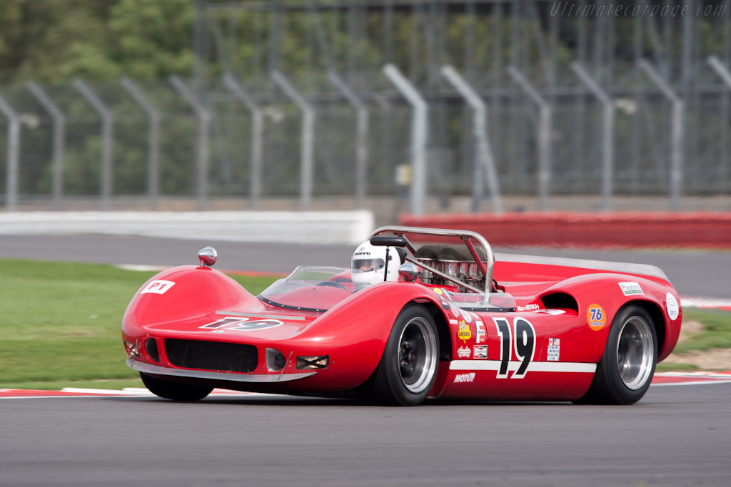 McLaren M1B - Chassis: 30-04 - Driver: Marc Hevia  - 2011 Le Mans Series 6 Hours of Silverstone (ILMC)