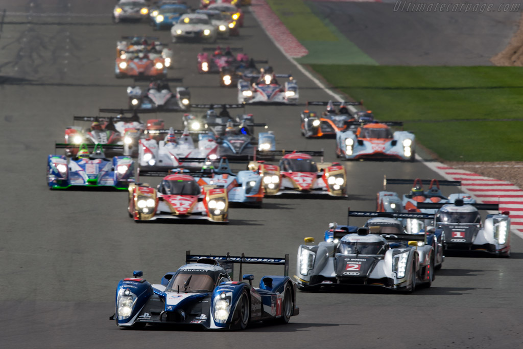 Off they go!    - 2011 Le Mans Series 6 Hours of Silverstone (ILMC)