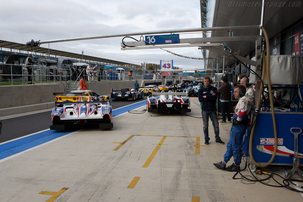 Pitlane - Chassis: LC70-8   - 2011 Le Mans Series 6 Hours of Silverstone (ILMC)