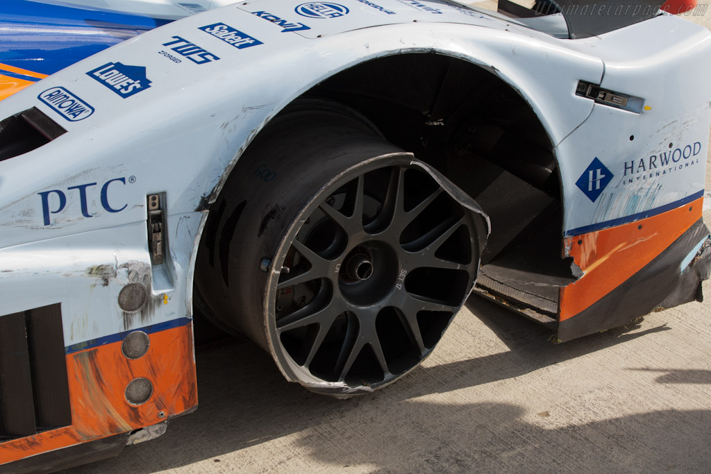 Puncture damge - Chassis: B0960-HU02S   - 2011 Le Mans Series 6 Hours of Silverstone (ILMC)