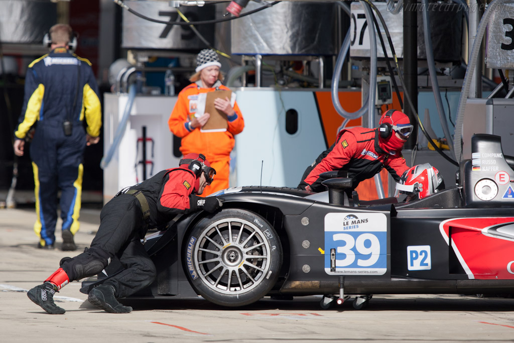 Pushed into the pit box - Chassis: B1140-HU02   - 2011 Le Mans Series 6 Hours of Silverstone (ILMC)