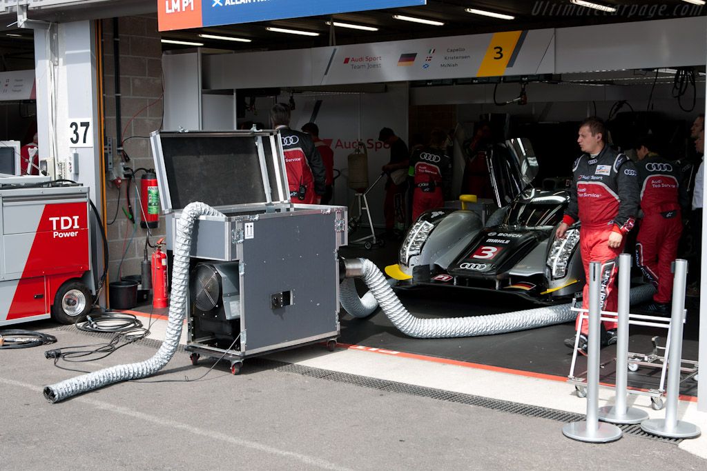 Audi R18 warming up - Chassis: 105   - 2011 Le Mans Series Spa 1000 km (ILMC)
