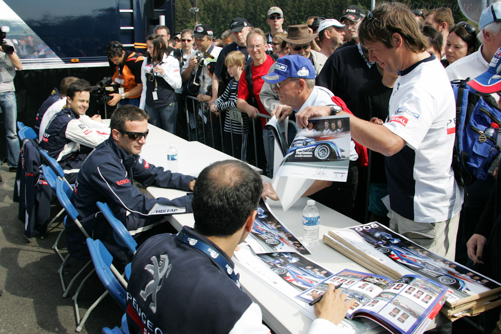 Autograph Session    - 2011 Le Mans Series Spa 1000 km (ILMC)