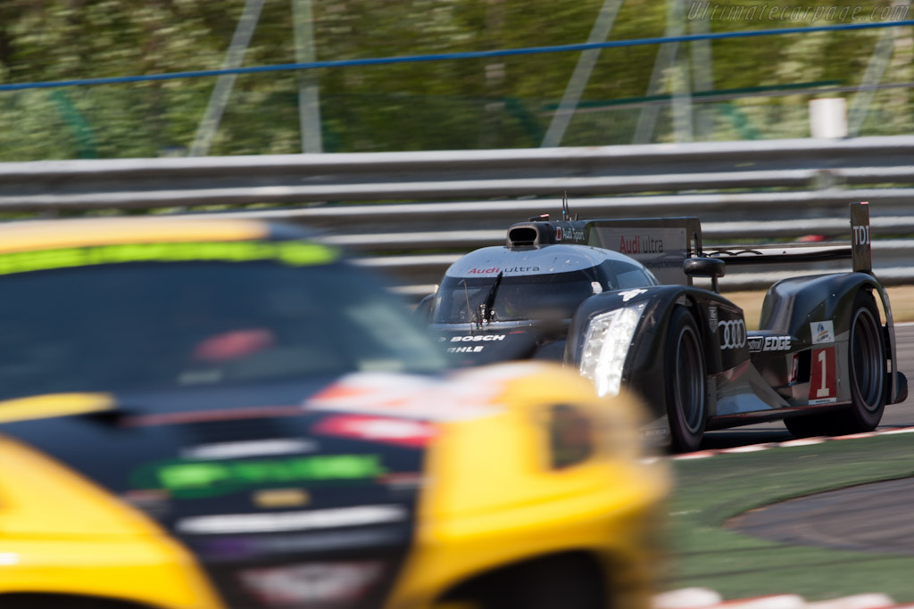 In traffic - Chassis: 104   - 2011 Le Mans Series Spa 1000 km (ILMC)