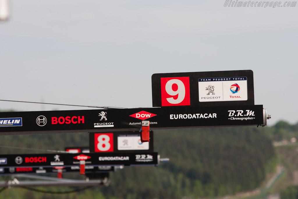 Peugeot pit    - 2011 Le Mans Series Spa 1000 km (ILMC)