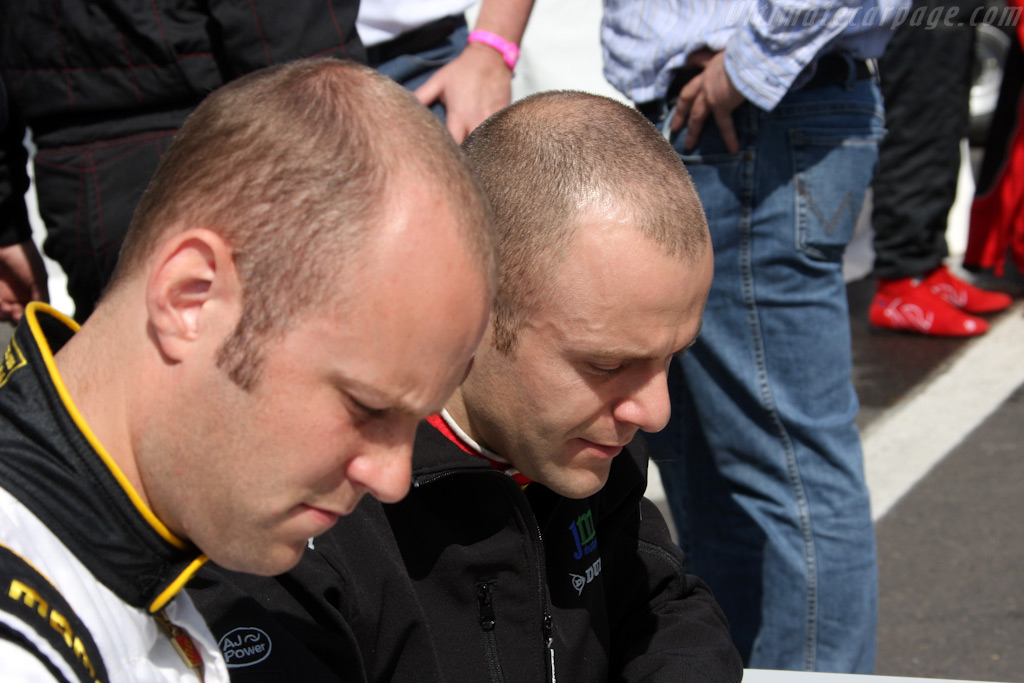 Bell & Bruni share car and barber    - 2009 Le Mans Series Spa 1000 km