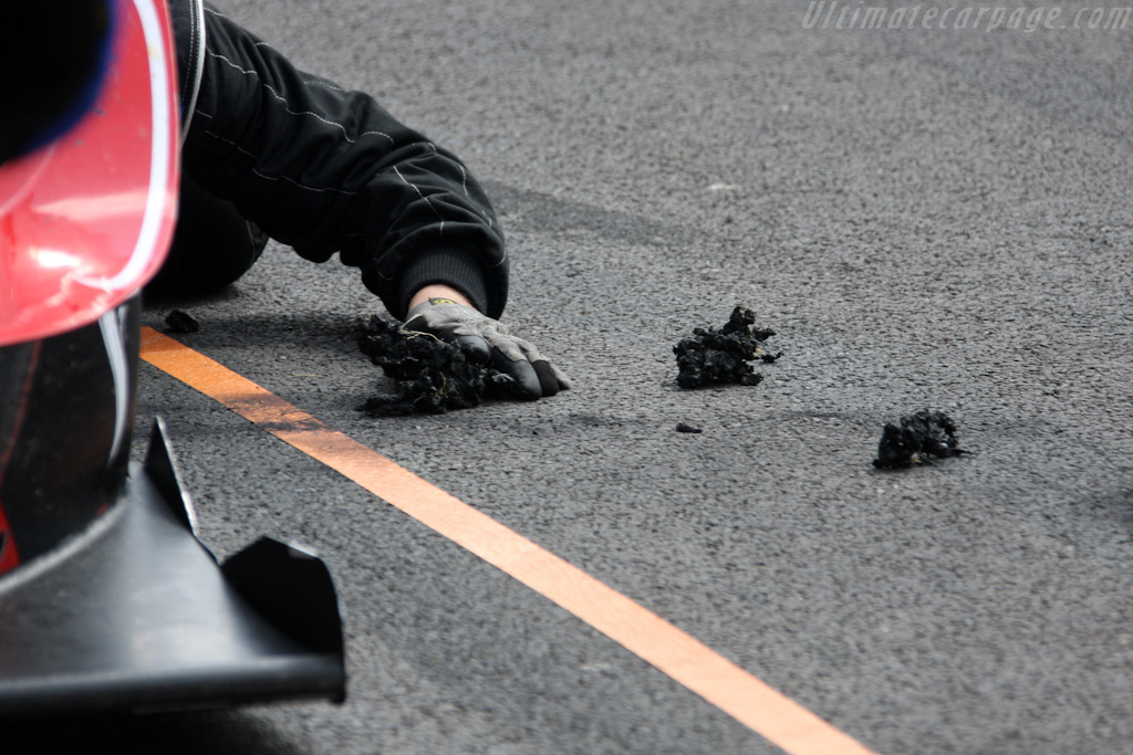 Rubber build-up    - 2009 Le Mans Series Spa 1000 km