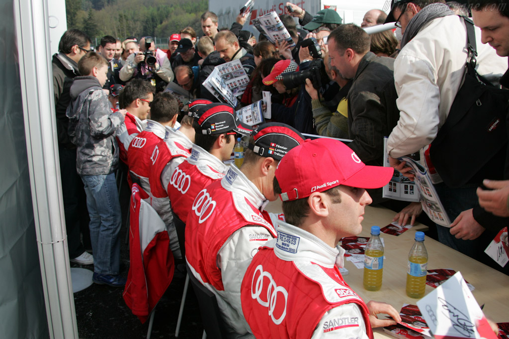 Autograph Session    - 2010 Le Mans Series Spa 1000 km