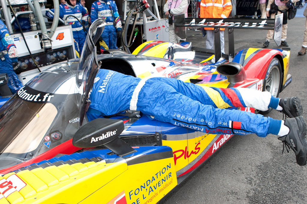 Strapping in - Chassis: 908-04   - 2010 Le Mans Series Spa 1000 km