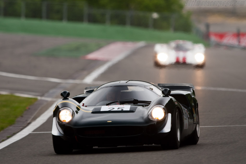 Lola T70 Mk3 - Chassis: SL73/113 - Driver: Marc Devis  - 2011 Spa Classic