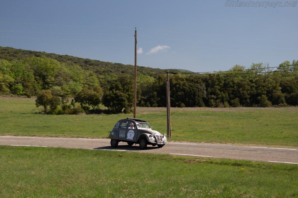 Citroën 2 CV Type A - Chassis: 27927 - Driver: François Allain / Robert Puyal  - 2018 Tour Auto