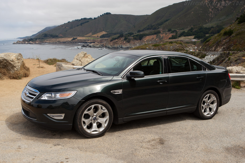 Ford Taurus SHO    - Ford Taurus SHO on Highway 1