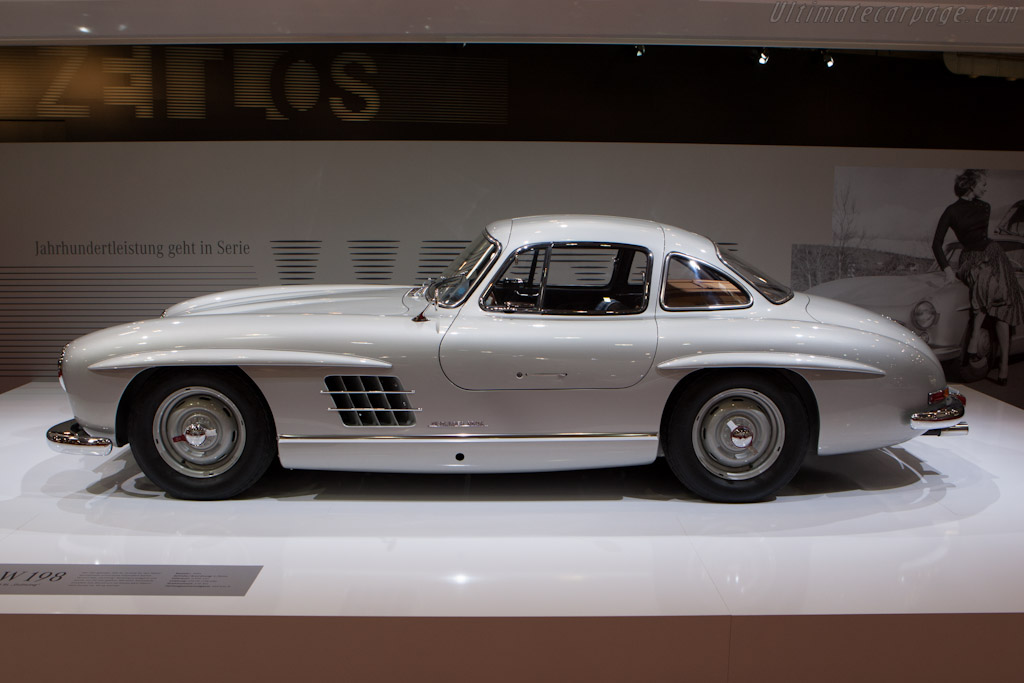 Mercedes benz 300 sl alloy coupe 2012 techno classica for Mercedes benz lease return